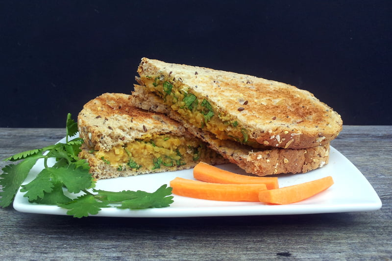 No Chicken Coronation Sandwich [vegan] by The Flexitarian