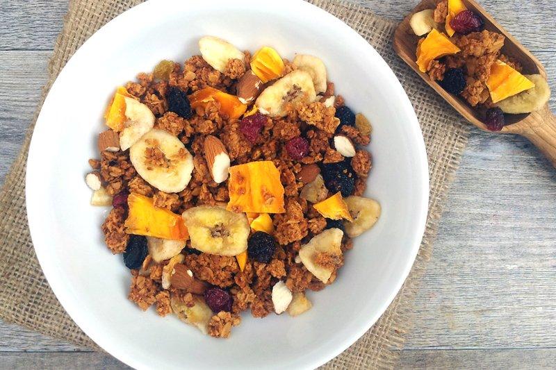 Coconut Granola [vegan] by The Flexitarian