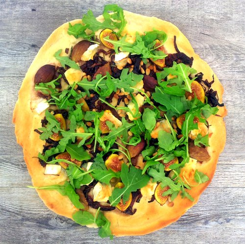 Figs, Goat Cheese and Rocket Pizza [vegetarian] by The Flexitarian