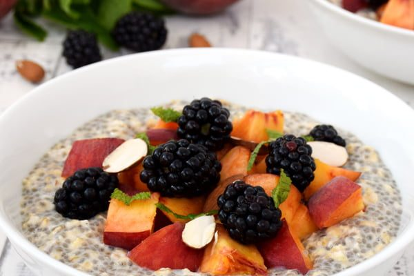 Peach & Blackberry Overnight Oatmeal with Chia Seeds [vegan]© The Flexitarian - Annabelle Randles v8
