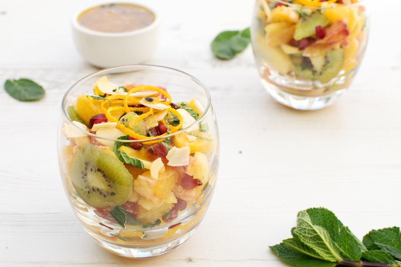 Citrus fruit salad with passion fruit coulis vegan for Fruit coulis