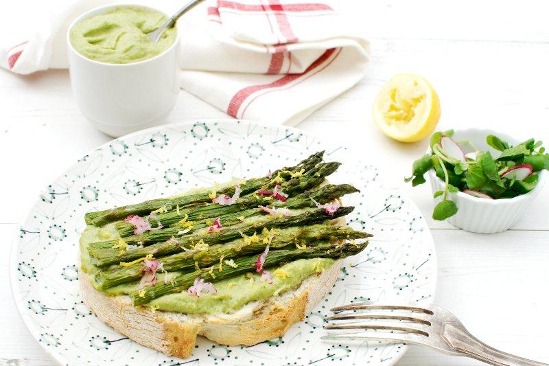 Asparagus Crostini with Watercress Hummus [vegan]
