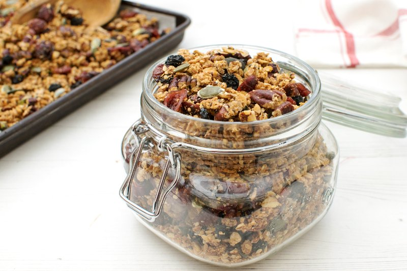 Quinoa Granola with Maple Syrup & Pecan [vegan]