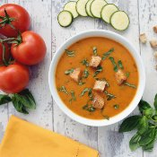 Courgette & Tomato Basil Soup [vegan] by The Flexitarian