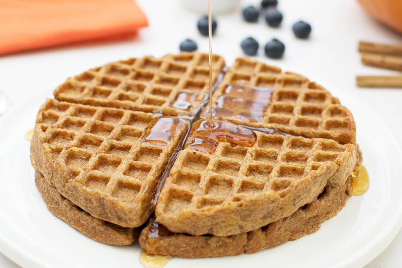 Spiced Pumpkin Waffles [vegan] |