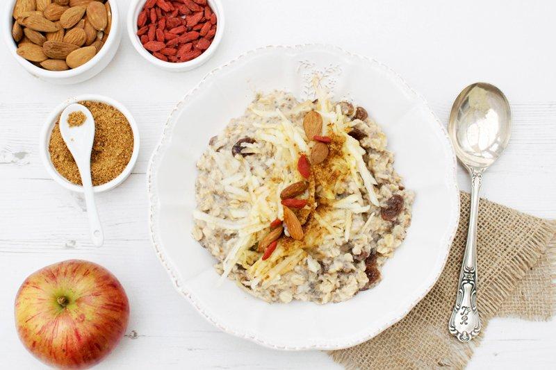 Apple, Raisin & Cinnamon Porridge [vegan] [gluten free] by The Flexitarian