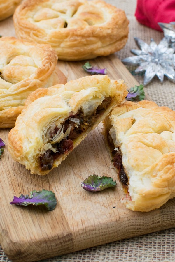 Festive Pithiviers with Cranberry Mango Chutney [vegan] by The Flexitarian