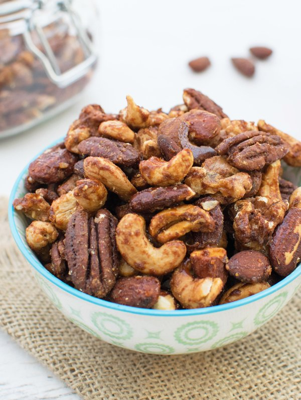 Maple & Smoked Paprika Spiced Nuts [vegan] [gluten free] by The Flexitarian