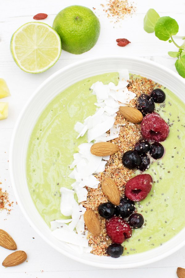 Green Avocado Smoothie Bowl with Sage™ The Boss™ To Go [vegan] [gluten free] by The Flexitarian