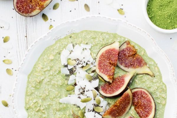 Matcha & Coconut Overnight Porridge with Fresh Figs [vegan] by The Flexitarian