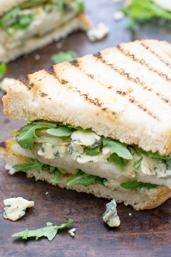 Pear, Stilton & Rocket Sandwich [vegetarian] by The Flexitarian