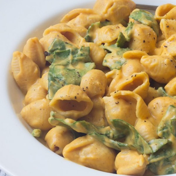 Sweet Potato Mac and Cheese with Spinach [vegan] via One Green Planet