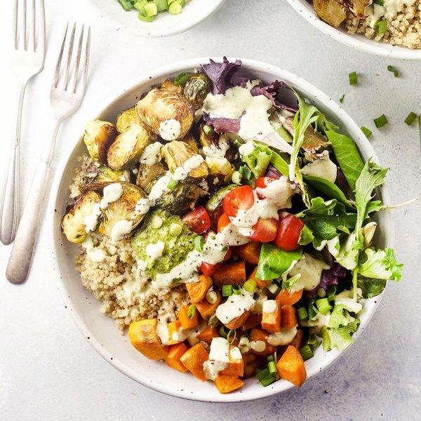 Make-Ahead Detox Roasted Vegetable Quinoa Bowls [vegan] by Detoxinista
