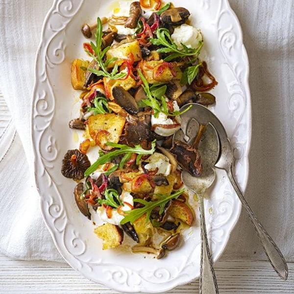 Mushroom Panzanella Salad [vegetarian] by Delicious Magazine