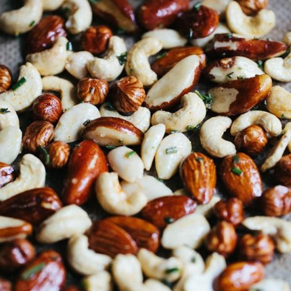Roasted Spiced Nuts [vegan] by Living The Healthy Choice