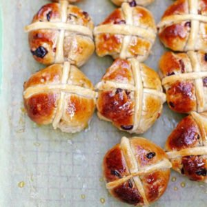 Hot Cross Buns [vegetarian] by Jamie Oliver
