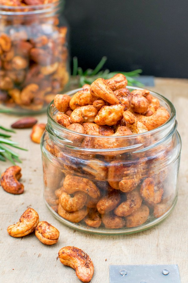 Smoky Roasted Cashews [vegan] by The Flexitarian