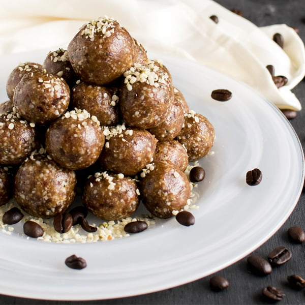 4 Ingredient Coffee Hemp Energy Bites [vegan] by KiipFit