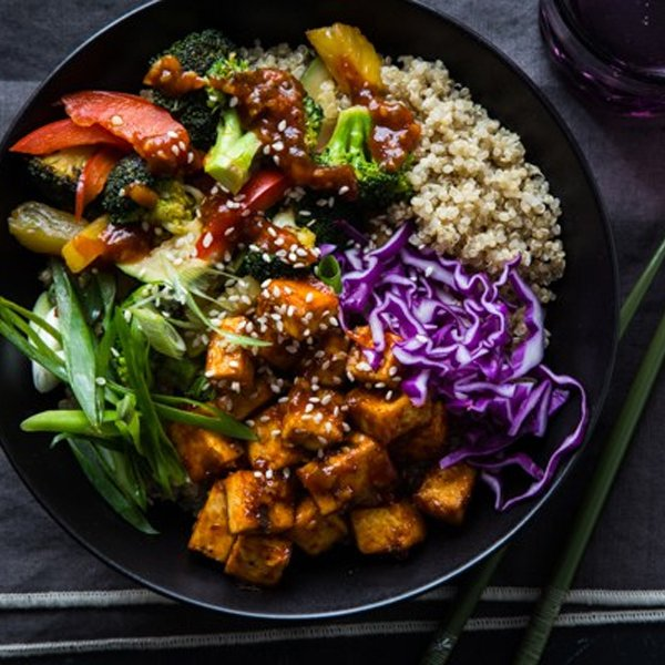 Korean Barbecue Tofu Bowls with Stir-Fried Veggies and Quinoa [vegan] by Oh My Veggies