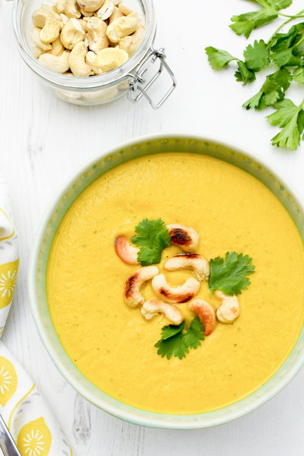 Carrot & Cashew Soup [vegan] by The Flexitarian