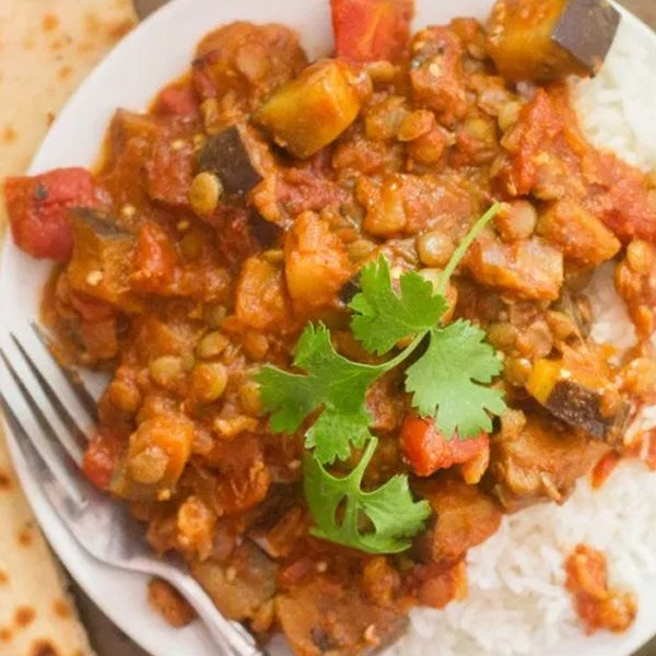 Indian-Inspired Lentil & Eggplant Curry [vegan] by Oh My Veggies