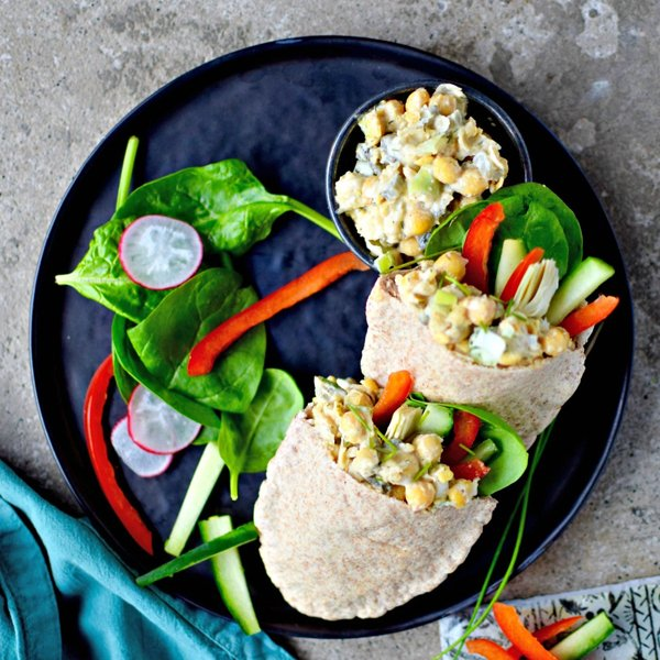 Smashed Ranch Chickpea Salad Pittas {vegetarian] by Food To Glow