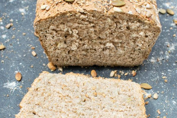 Seeded Wholemeal Bread [vegan] by The Flexitarian