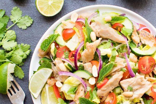 Crunchy Asian Salad with Oumph! Chunks [vegan] [gluten free] by The Flexitarian
