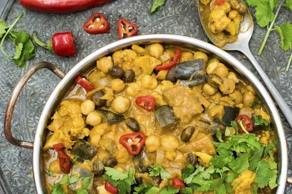 Cauliflower and Aubergine Curry [vegan] [gluten free] by The Flexitarian © Annabelle Randles