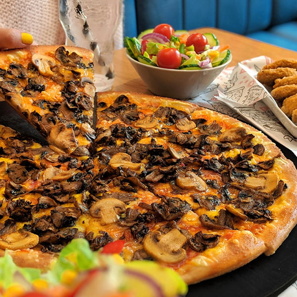 Pizza Hut New Vegan Options Vegan All About Mushrooms Pizza
