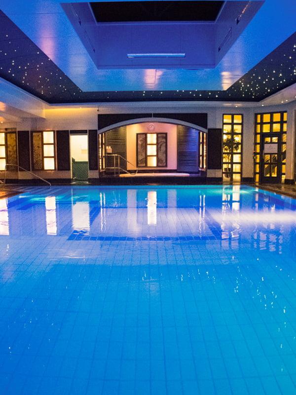 Careys Manor Hotel Pool 2019 © Annabelle Randles The Flexitarian